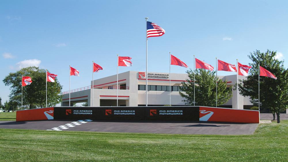 Mid America Motorworks >> Mid America Motorworks My Garage Museum Eat Effingham